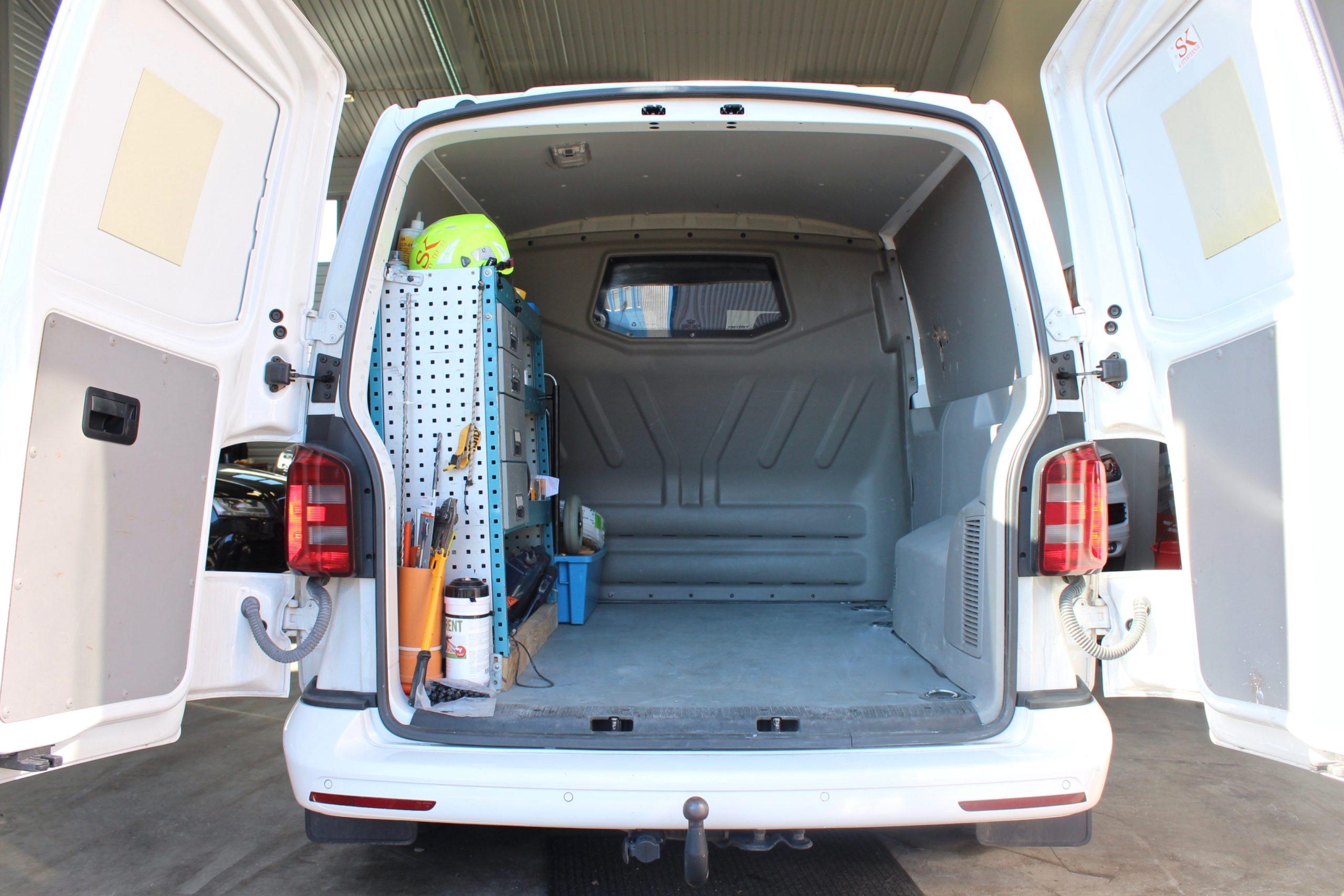 Volkswagen Transporter 2.0 TDI 4M 5-sits Navi