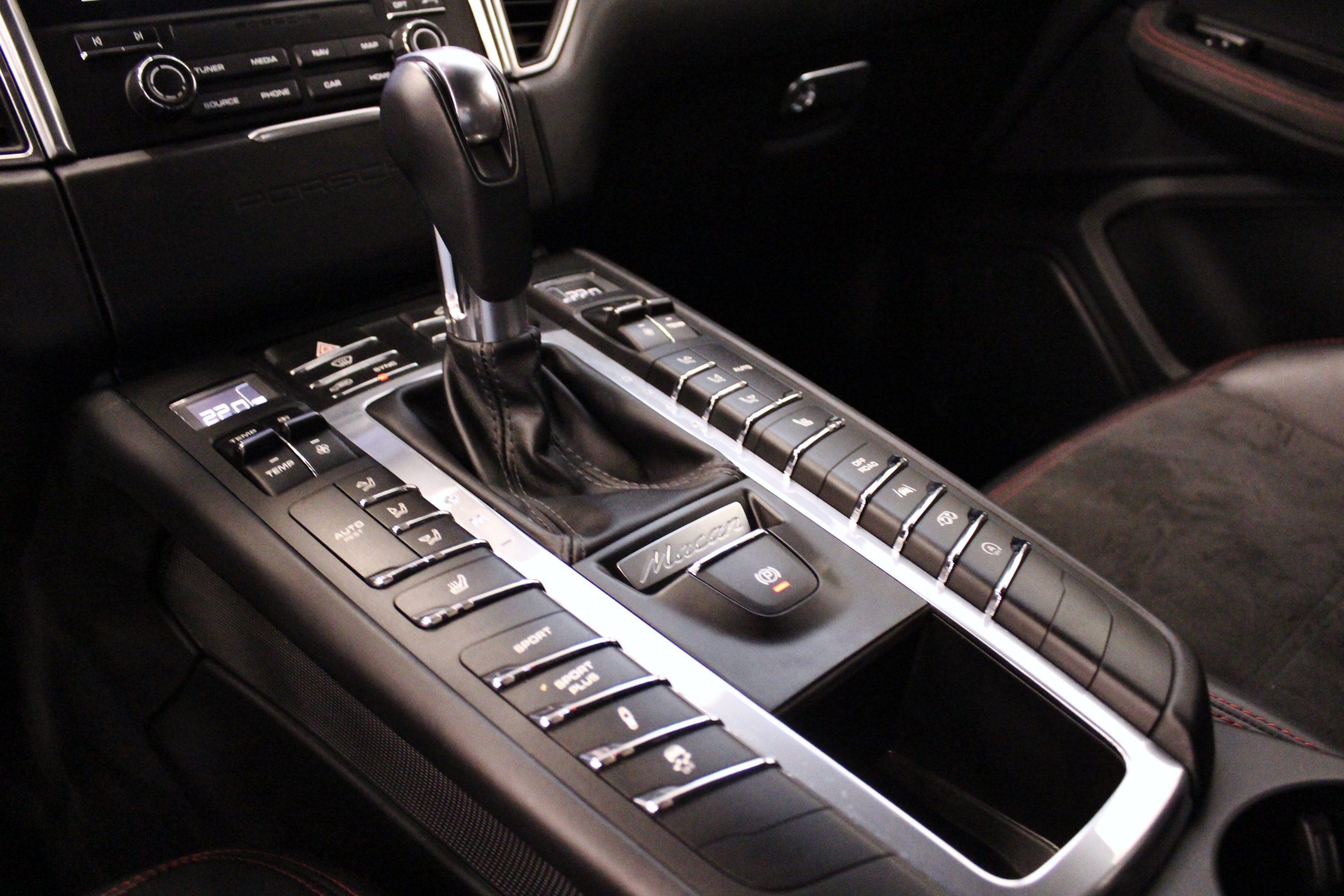 Porsche Macan GTS PDK Sport Chrono Eu6 360hk