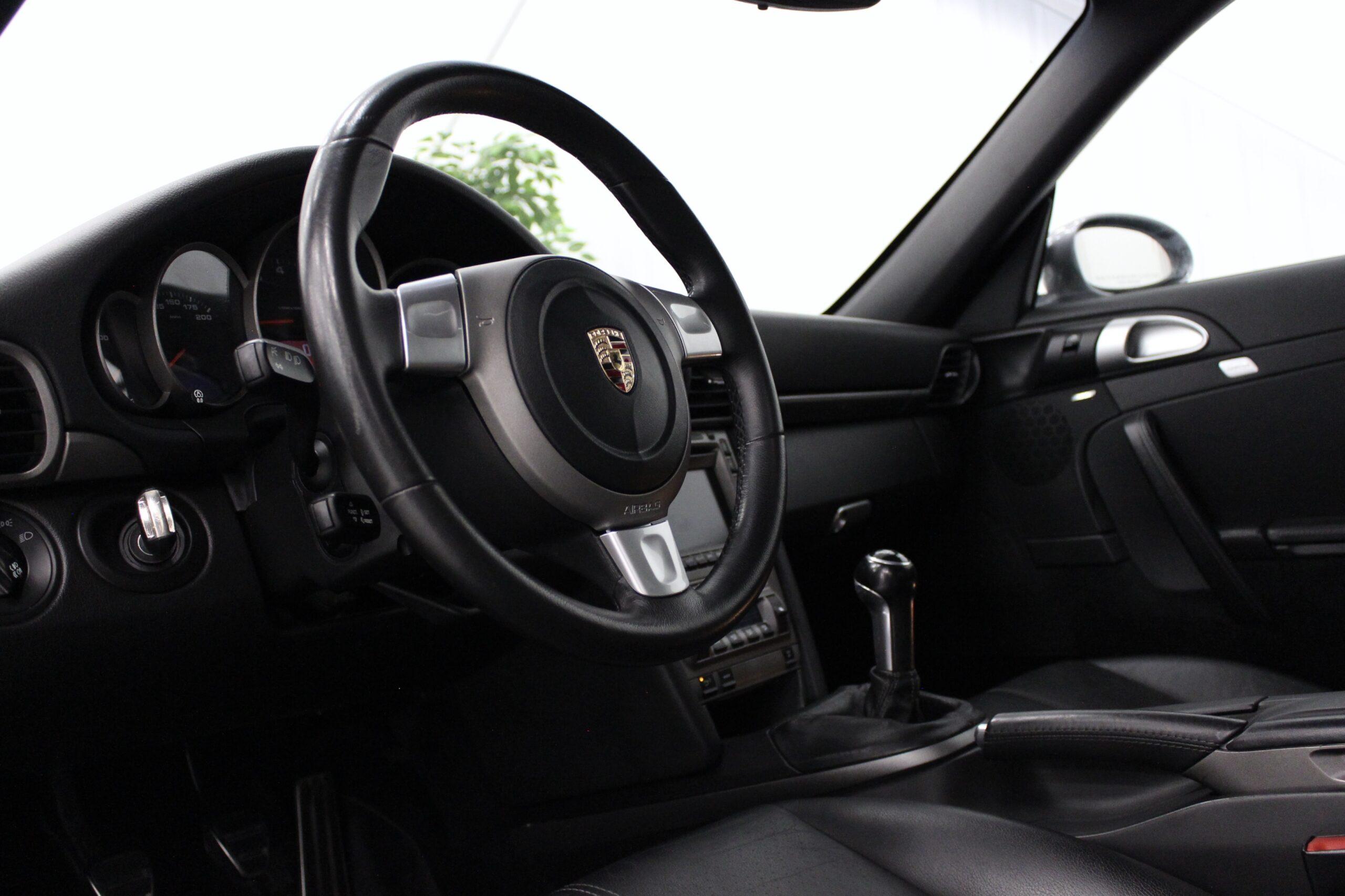 Porsche 911 Carrera 325hk