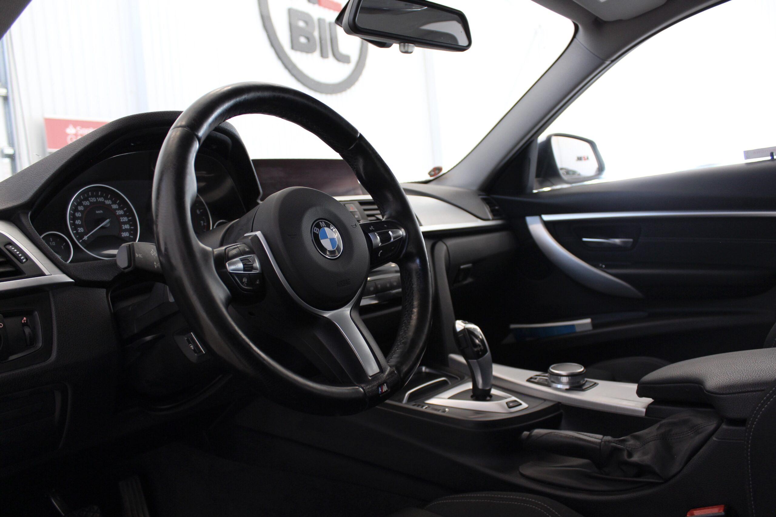 BMW 330e Sedan Steptronic Sport line Euro 6 252hk